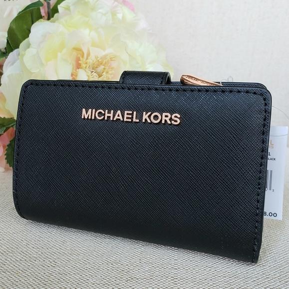 Michael Kors Handbags - NWT Michael Kors Bifold Zip Coin Wallet Black Rose